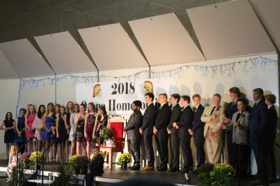 Freshmen+Princess%3A+Jenna+Perkins+escorted+by+Fisher+Eiss.+Sophomore+Princess%3A+Priscilla+Cole+escorted+by+Sam+Bazil+Junior+Princess%3A+Claire+Suchy+escorted+by+Charlie+Ellis.+Senior+court%3A+Natalie+Brockman+and+Ben+Bissen%2C+Natalie+Bever+and+Rada+Al-saabiri%2C+Abbie+McGrann+and+Emmett+Halloran%2C+Cari+Spencer+and+Pierce+Pennaz%2C+Sally+Richardson+and+Dominic+Dahlen%2C+Emma+Kosek+and+Charlie+Carlson%2C+Abby+Haglin+and+Drew+Mitchellette%2C+Carolyn+Fritz+and+Alex+Danielson%2C+Emerson+Sankey+and+Chad+Mrachek%2C+Sonja+Squires+and+Michael+Delaney.