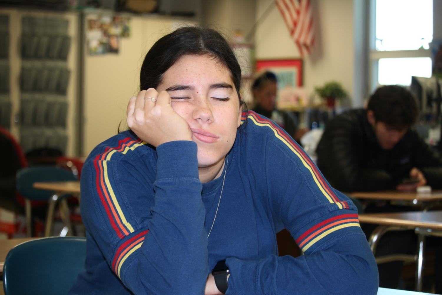 Isa Chavez showing how easy it is to doze off during class due to lack of sleep.