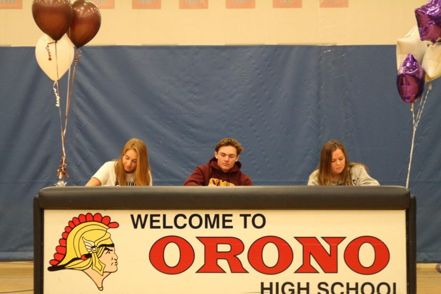 Seniors+Claire+Gagne%2C+Nick+Ruhland%2C+and+Jordan+Allar+are+seen+officially+signing+with+their+chosen+colleges.